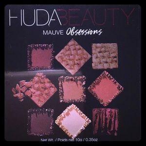Huda Beauty Mauve Obsessions NIB